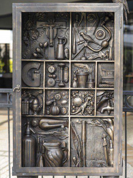 Graceville Wunderkammer 1 - detail Deb Mostert 2016 Bronze